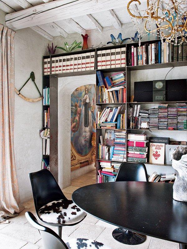Фотография: Кухня и столовая в стиле Эклектика, Гостиная, Декор интерьера, Интерьер комнат, Проект недели, Илья Хомяков – фото на InMyRoom.ru