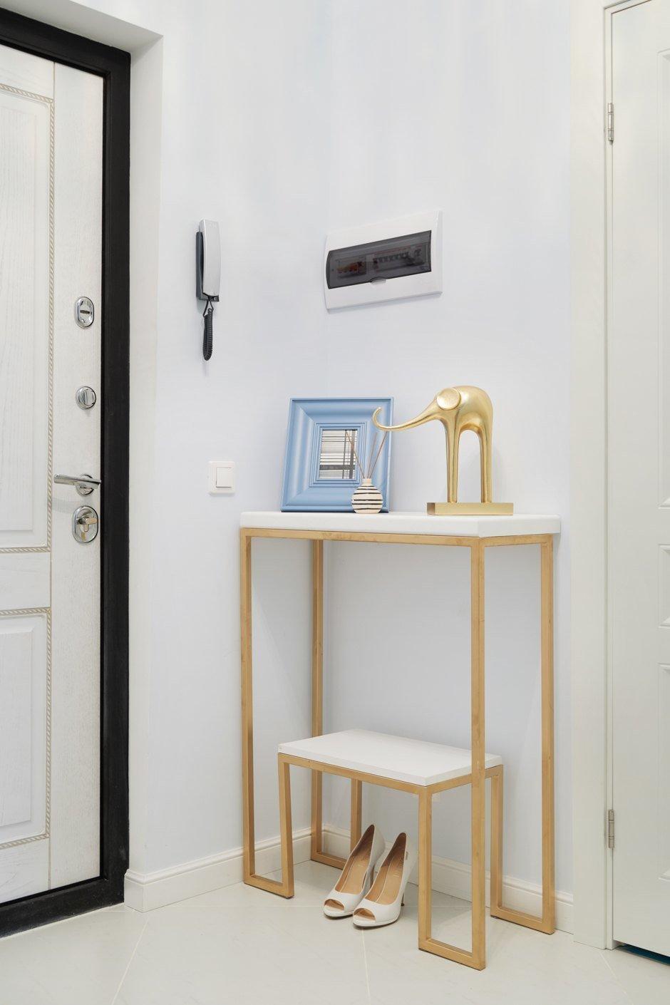 Фотография: Прихожая в стиле Эклектика, Кухня и столовая, Ванная, Спальня, Балкон, Проект недели, Желтый, Синий, Голубой, 1 комната, до 40 метров, ПРЕМИЯ INMYROOM – фото на INMYROOM