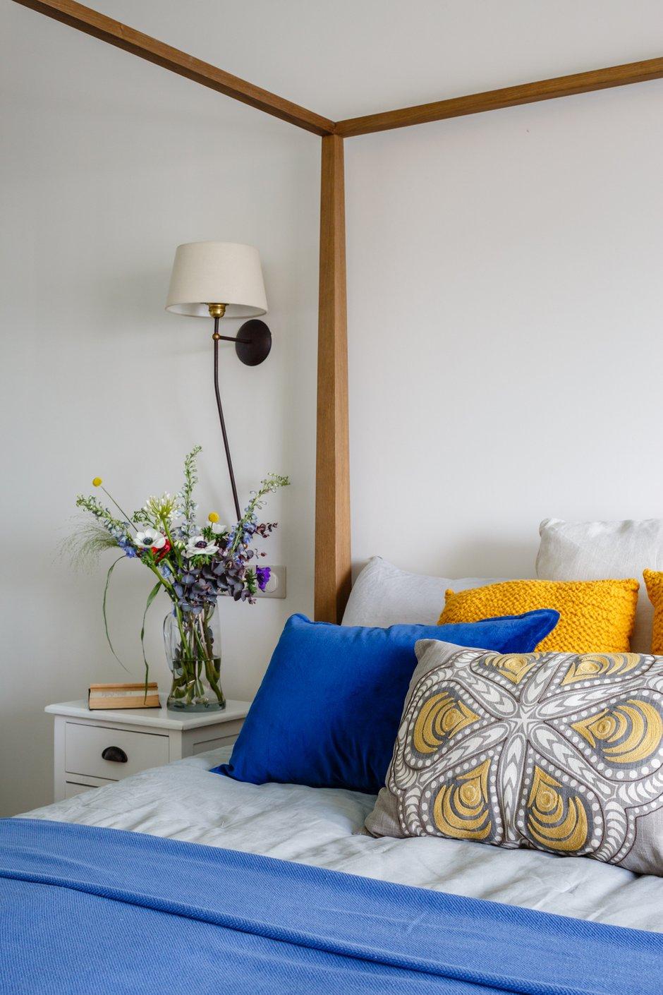 Фотография: Спальня в стиле Прованс и Кантри, Декор интерьера, Квартира, Проект недели, Москва, Надя Зотова, 3 комнаты, Более 90 метров, студия Enjoy Home, Монолитно-кирпичный – фото на INMYROOM