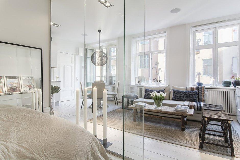 Фотография: Гостиная в стиле Скандинавский, Спальня, Малогабаритная квартира, Квартира, Дома и квартиры – фото на INMYROOM