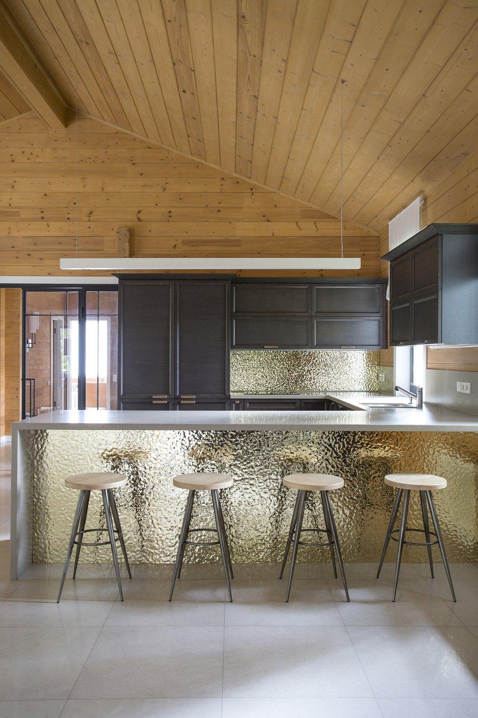 Фотография: Кухня и столовая в стиле Современный, Эко, Дом, 4 и больше, Более 90 метров, Студия TS Design, #эксклюзивныепроекты – фото на INMYROOM