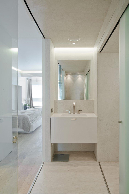Фотография: Ванная в стиле , Современный, Квартира, Дома и квартиры, Минимализм – фото на INMYROOM