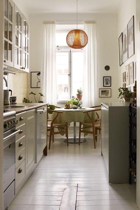 Фотография: Кухня и столовая в стиле , Малогабаритная квартира, Квартира, Швеция, Дома и квартиры – фото на INMYROOM