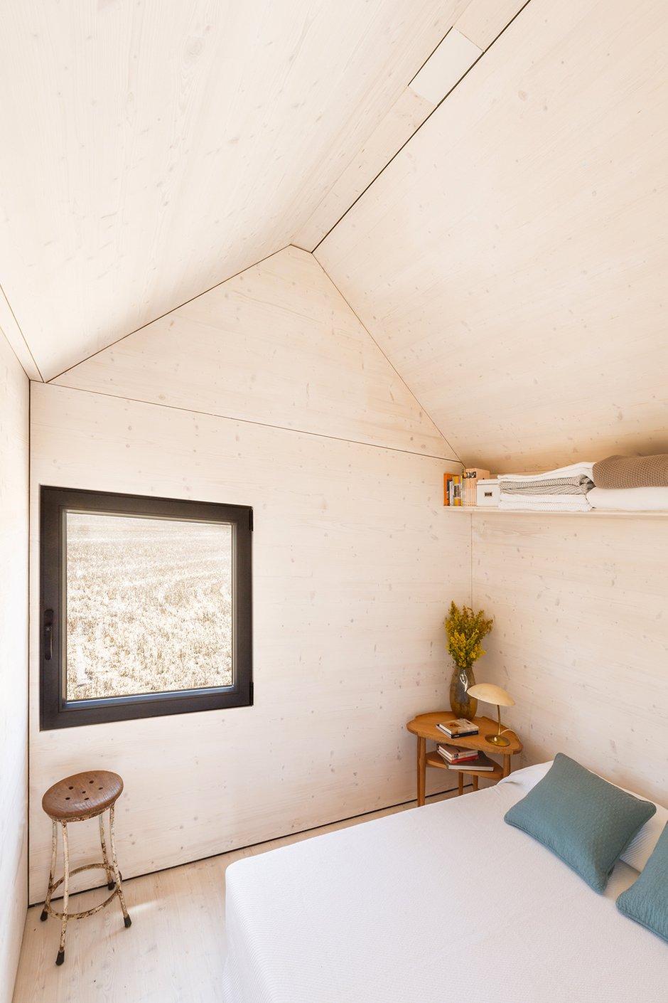 Фотография: Спальня в стиле Прованс и Кантри, Современный, Декор интерьера, Дом, Дома и квартиры, Архитектурные объекты – фото на INMYROOM