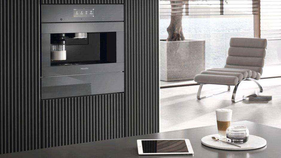 Фотография:  в стиле , Кухня и столовая, Miele, Бытовая техника, Гид, умная бытовая техника, кофемашина, техника для кухни – фото на INMYROOM