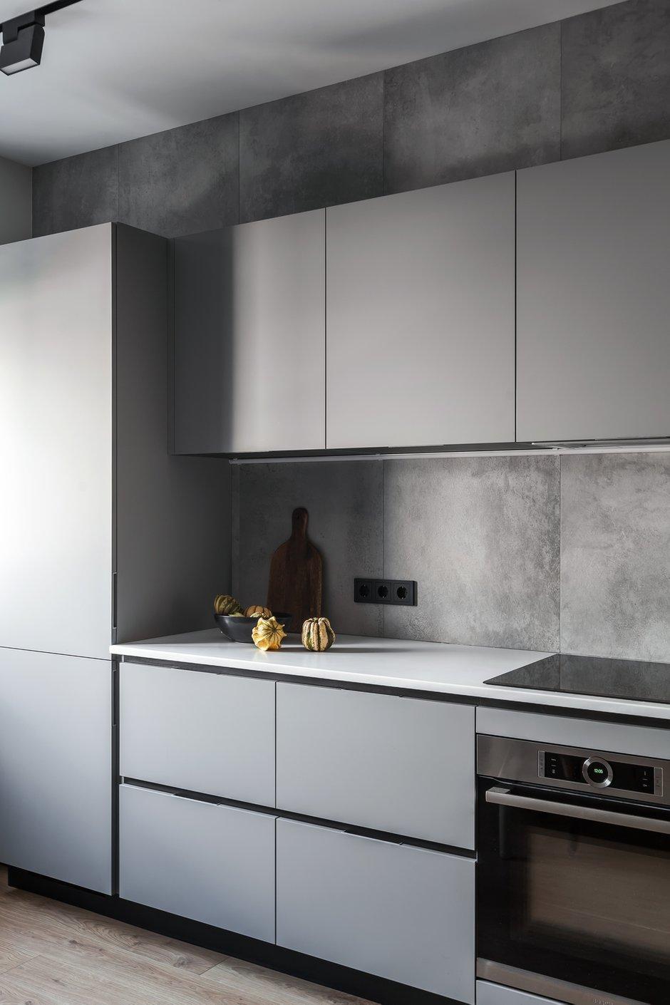 Фотография: Кухня и столовая в стиле Минимализм, Современный, Квартира, Проект недели, Химки, 3 комнаты, 60-90 метров, Flatforfox – фото на INMYROOM