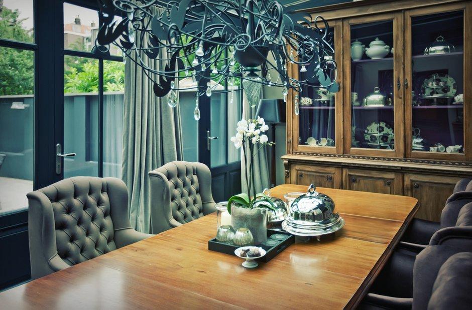 Фотография: Кухня и столовая в стиле Классический, Современный, Декор интерьера, Дом, Мебель и свет, Стол, Винтаж – фото на INMYROOM