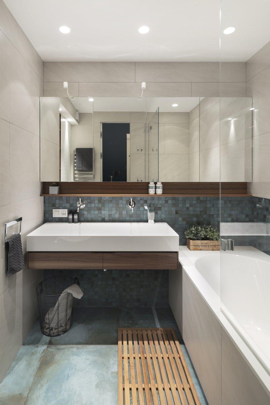 Фотография: Ванная в стиле Современный, Квартира, Проект недели, Москва, Монолитный дом, 4 и больше, Более 90 метров, Zeworkroomstudio – фото на INMYROOM