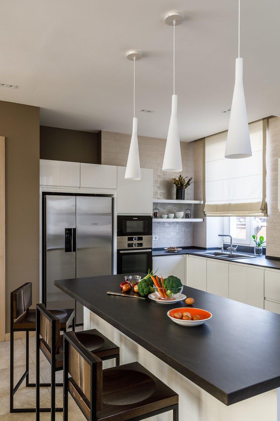Фотография: Кухня и столовая в стиле Современный, Дом, Проект недели, Дом и дача, 4 и больше, Более 90 метров, Алиса Свистунова, Bon-Ton – фото на INMYROOM