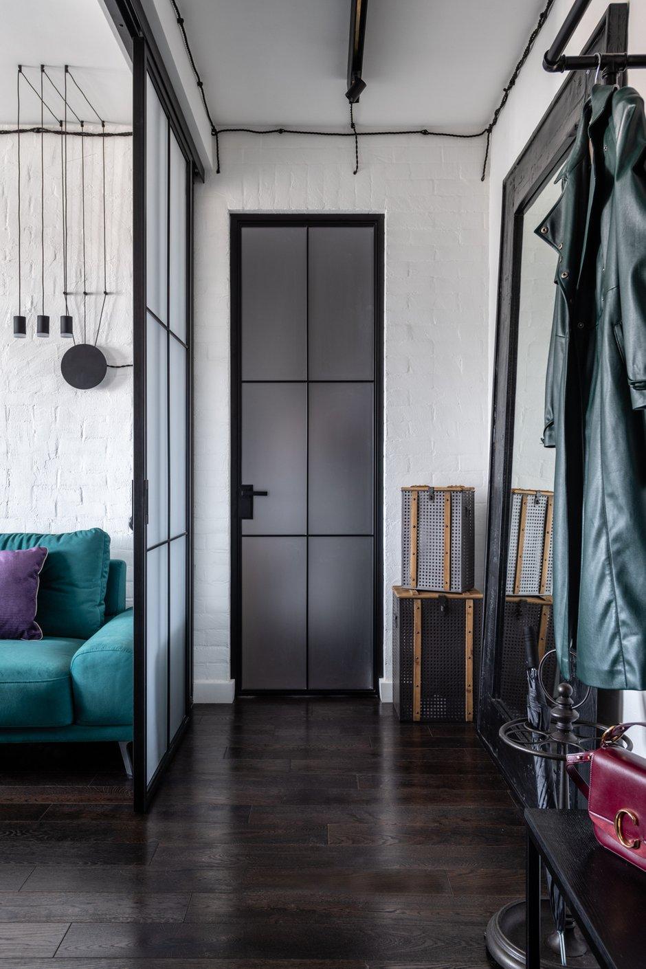 Фотография: Прихожая в стиле Лофт, Эклектика, Квартира, Проект недели, Москва, Кирпичный дом, 2 комнаты, 40-60 метров, Алина Палагина – фото на INMYROOM