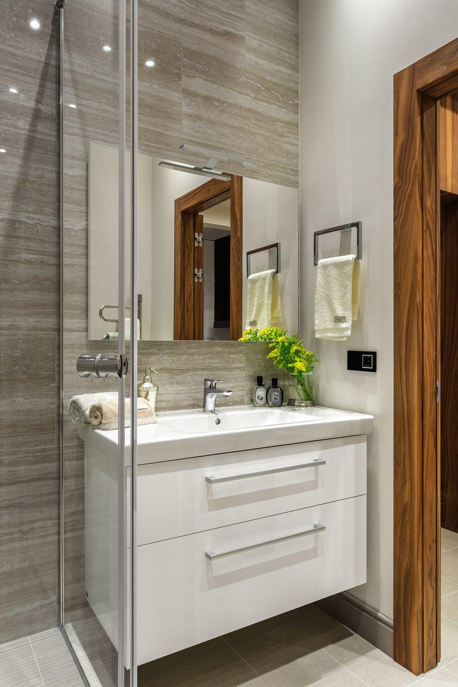 Фотография: Ванная в стиле Современный, Перепланировка – фото на INMYROOM