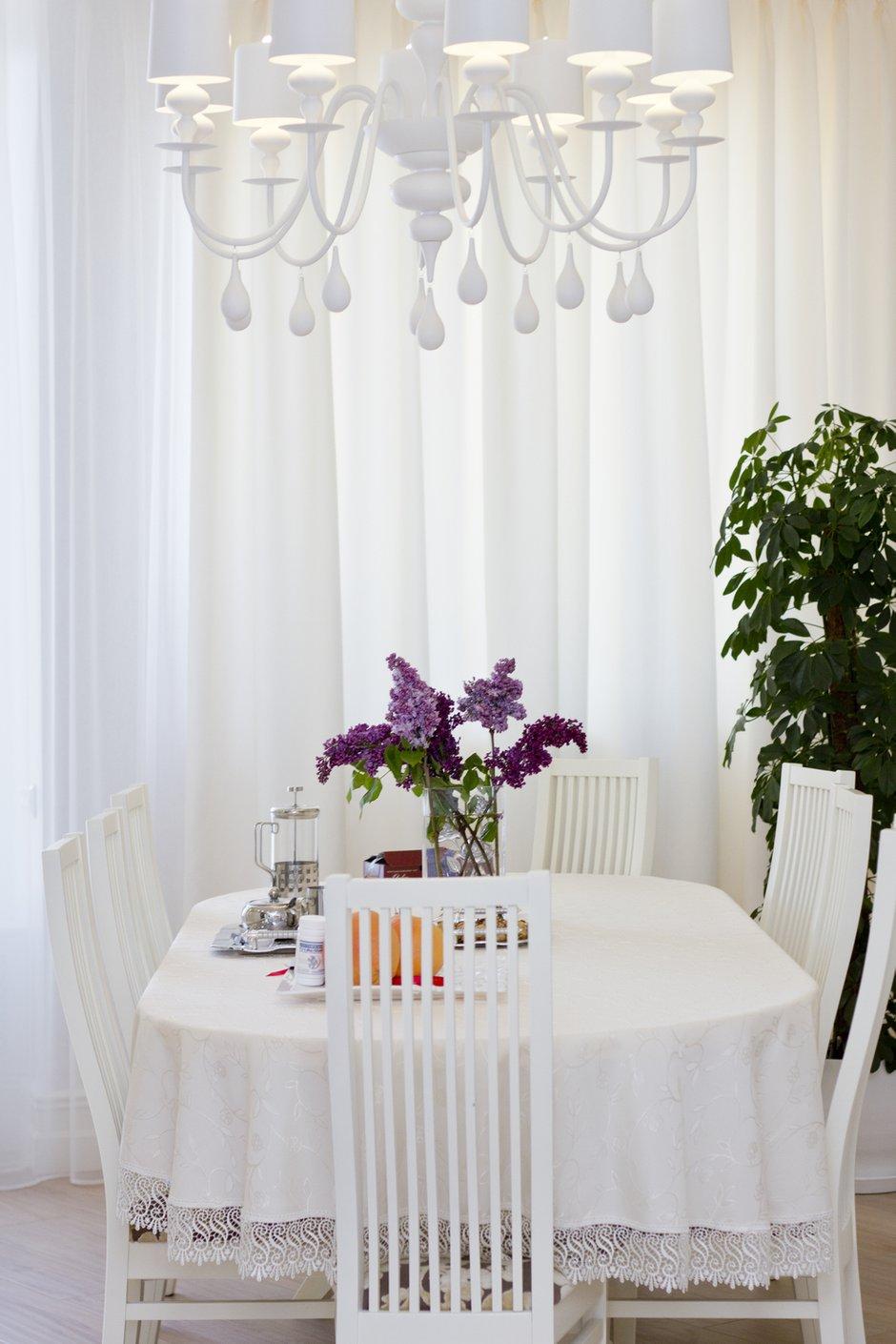 Фотография: Кухня и столовая в стиле Прованс и Кантри, Квартира, Дома и квартиры, Ар-деко – фото на INMYROOM