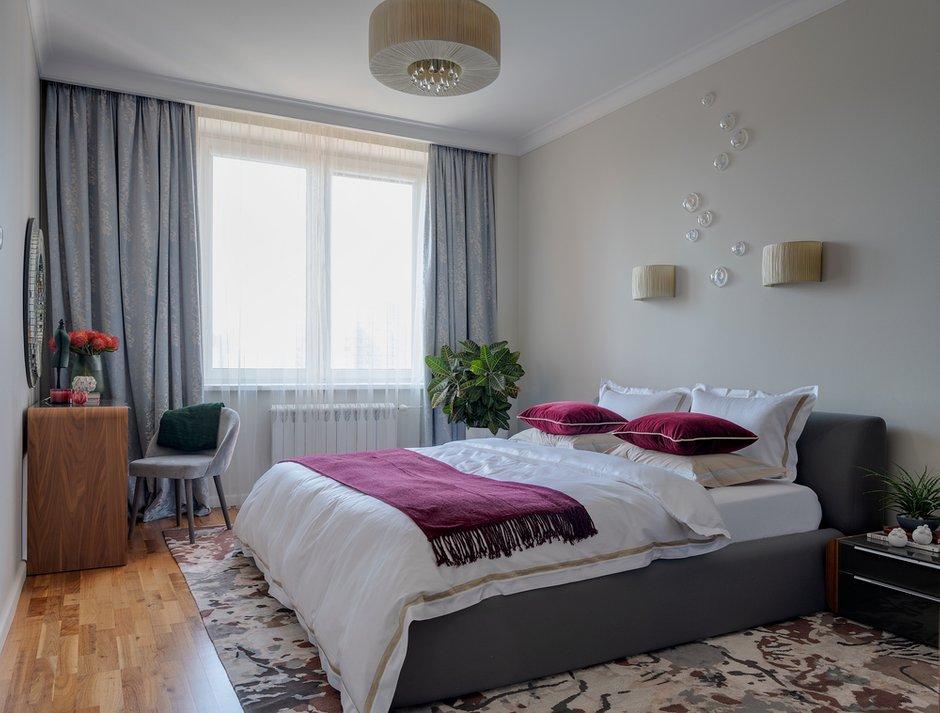 Фотография: Спальня в стиле Современный, Квартира, Проект недели, 3 комнаты, Более 90 метров, Екатерина Беликова – фото на INMYROOM