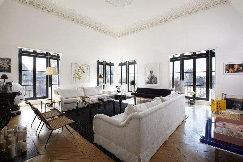 Фотография: Гостиная в стиле Современный, Декор интерьера, Квартира, Цвет в интерьере, Дома и квартиры, Черный, Париж – фото на INMYROOM