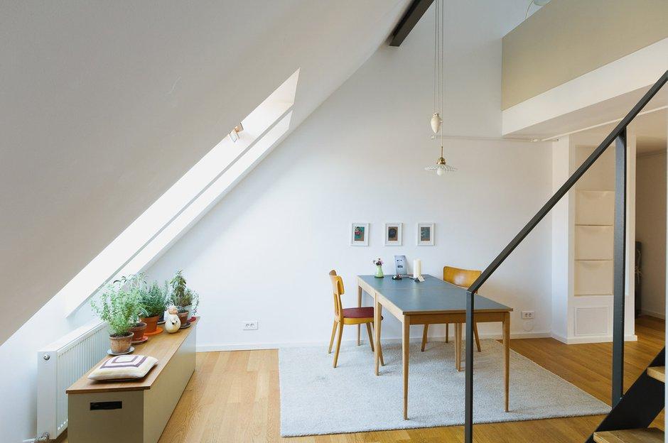 Фотография: Кухня и столовая в стиле Лофт, Современный, Дом, Дома и квартиры, Мансарда – фото на INMYROOM