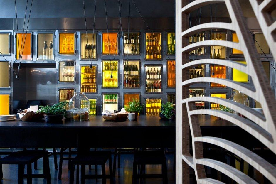 Фотография: Кухня и столовая в стиле Современный, Эклектика, Foscarini, Vitra, Дома и квартиры, Городские места – фото на INMYROOM