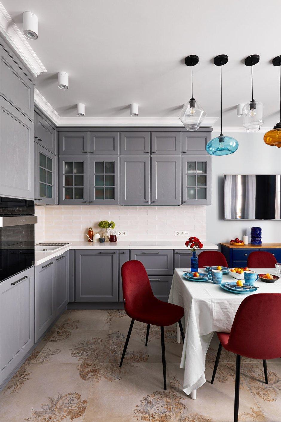 Фотография: Кухня и столовая в стиле Современный, Квартира, Проект недели, Долгопрудный, 4 и больше, Более 90 метров, Марина Каралкина – фото на INMYROOM