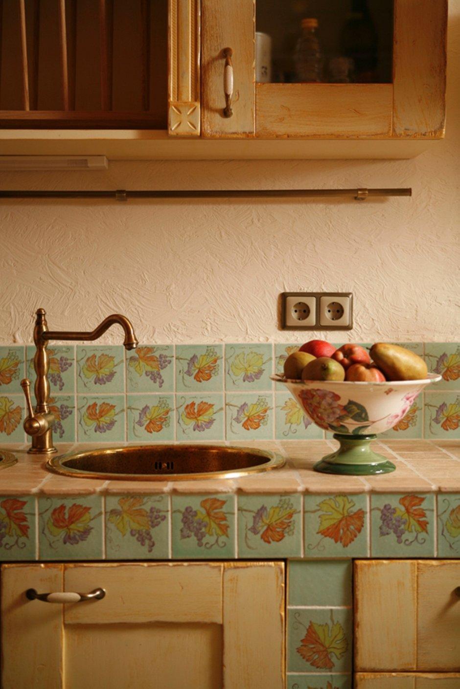 Фотография: Кухня и столовая в стиле Прованс и Кантри, Дом, Интерьер комнат, Прованс, Проект недели – фото на InMyRoom.ru