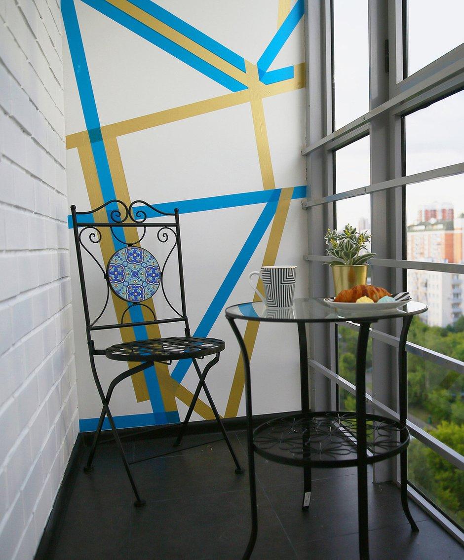 Фотография: Балкон в стиле Эклектика, Кухня и столовая, Ванная, Прихожая, Спальня, Проект недели, Желтый, Синий, Голубой, 1 комната, до 40 метров, ПРЕМИЯ INMYROOM – фото на INMYROOM