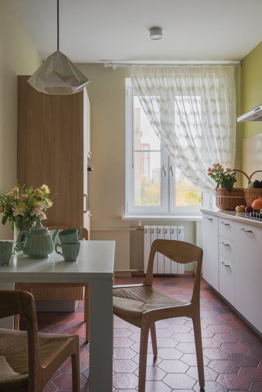 Фотография: Кухня и столовая в стиле Современный, Прованс и Кантри, Квартира, Проект недели, Москва, 2 комнаты, 60-90 метров, Наталия Суслина – фото на INMYROOM