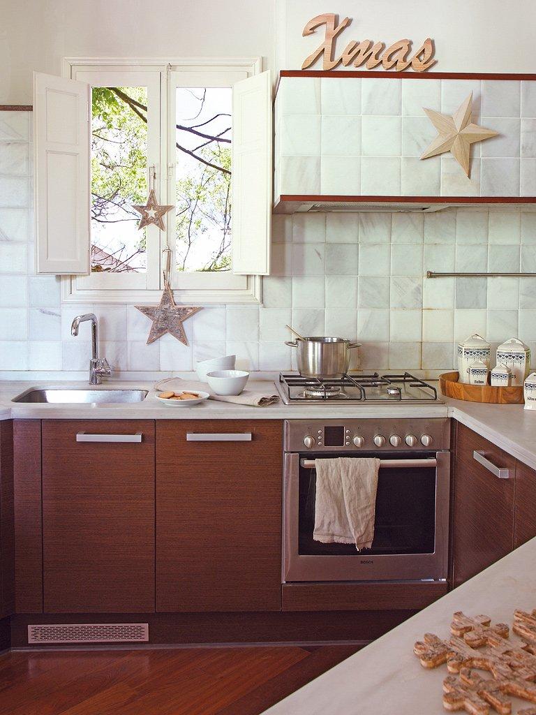 Фотография: Кухня и столовая в стиле Прованс и Кантри, Эклектика, Декор интерьера, Квартира, Дом, Праздник, Дома и квартиры – фото на INMYROOM