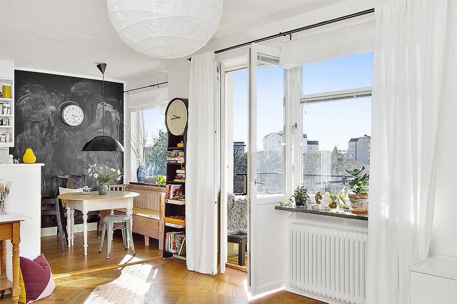 Фотография: Кухня и столовая в стиле Лофт, Скандинавский, Малогабаритная квартира, Квартира, Франция, Дома и квартиры – фото на InMyRoom.ru