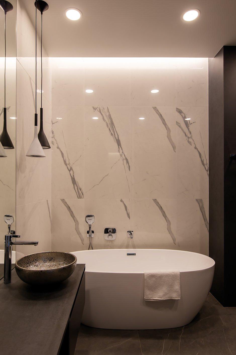 Фотография: Ванная в стиле Минимализм, Квартира, Проект недели, Москва, Филипп Киценко, 3 комнаты, Более 90 метров, ПРЕМИЯ INMYROOM – фото на INMYROOM