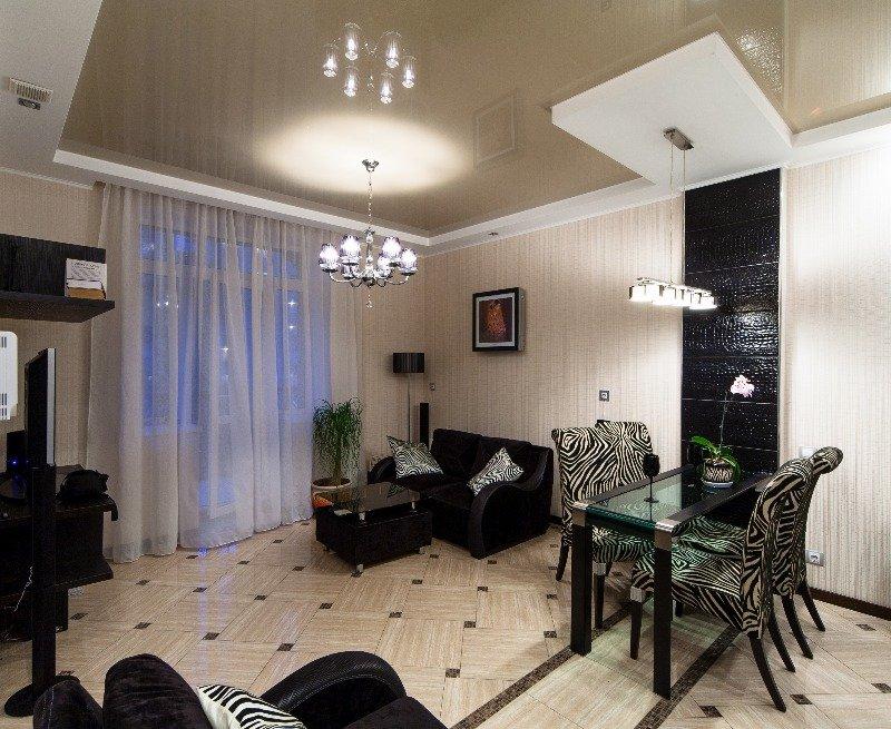 Фотография: Кухня и столовая, Гостиная в стиле Современный, Декор интерьера, Малогабаритная квартира, Квартира, Декор дома, Переделка, Ар-деко – фото на INMYROOM
