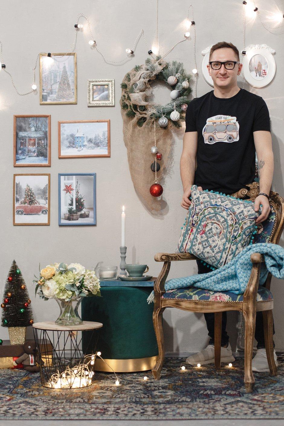 Фотография:  в стиле , Декор интерьера, BOSCH, Новый Год, Bosсh, чем декорироать пустую стену, новогодний декор, новогодний декор интерьера, Саша Мершиев, как украсить интерьер к новому году, zamo – фото на INMYROOM