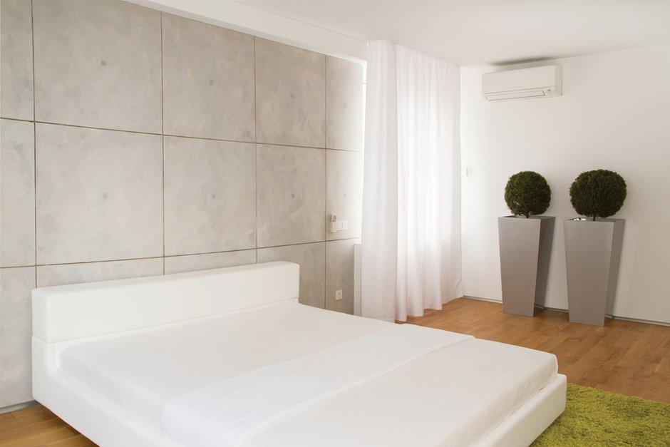 Фотография: Спальня в стиле Лофт, Современный, Квартира, Цвет в интерьере, Дома и квартиры, Белый, Минимализм, Проект недели – фото на INMYROOM