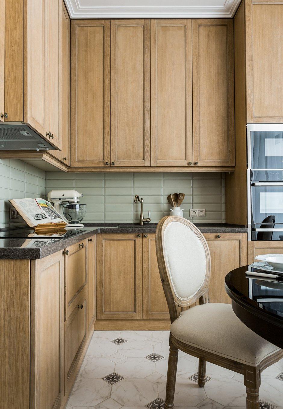 Фотография: Кухня и столовая в стиле Классический, Современный, Квартира, Проект недели, Москва, Монолитный дом, 2 комнаты, 60-90 метров, Елена Лазутина – фото на INMYROOM