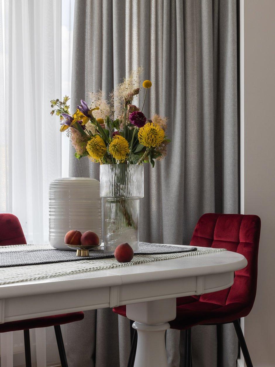 Фотография: Кухня и столовая в стиле Современный, Квартира, Проект недели, Челябинск, 3 комнаты, Более 90 метров, Анна Важенина – фото на INMYROOM