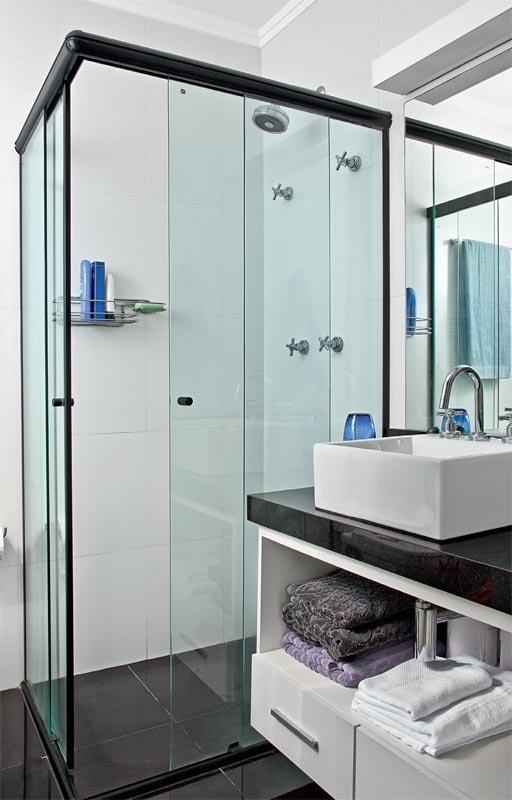 Фотография: Ванная в стиле Скандинавский, Современный, Малогабаритная квартира, Квартира, Цвет в интерьере, Дома и квартиры, Белый, Переделка – фото на INMYROOM