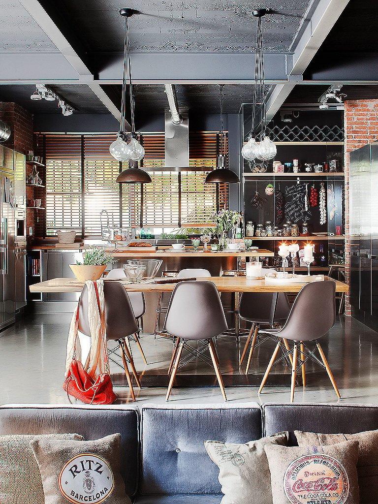 Фотография: Кухня и столовая в стиле Лофт, Гостиная, Декор интерьера, Интерьер комнат, Проект недели, напольное покрытие – фото на INMYROOM