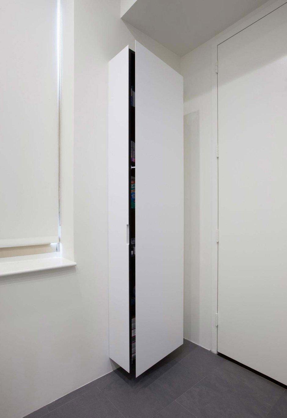 Фотография: Прихожая в стиле Скандинавский, Кухня и столовая, Интерьер комнат, Цвет в интерьере, Белый – фото на INMYROOM