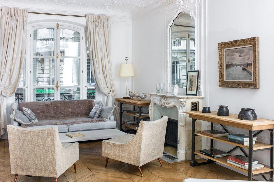 Фотография: Гостиная в стиле Прованс и Кантри, Классический, Квартира, Антиквариат, Белый, Проект недели, Париж, Бежевый, ИКЕА, антикварная мебель в интерьере, Более 90 метров, #эксклюзивныепроекты, Катя Гердт – фото на INMYROOM