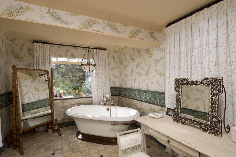 Фотография: Ванная в стиле Прованс и Кантри, Классический, Современный, Декор интерьера, Дом, Дома и квартиры, Интерьеры звезд – фото на INMYROOM