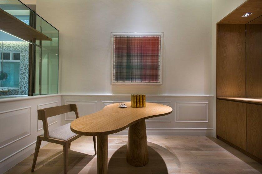 Фотография: Офис в стиле Современный, Цвет в интерьере, Дома и квартиры, Городские места, Белый, Отель, Проект недели – фото на INMYROOM