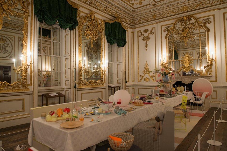 Фотография: Кухня и столовая в стиле Классический, Современный, Индустрия, События, Лондон, B&B Italia – фото на InMyRoom.ru