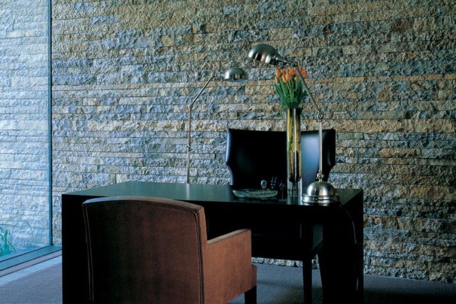 Фотография: Офис в стиле Современный, Великобритания, Мебель и свет, Цвет в интерьере, Индустрия, Люди, Лондон – фото на INMYROOM