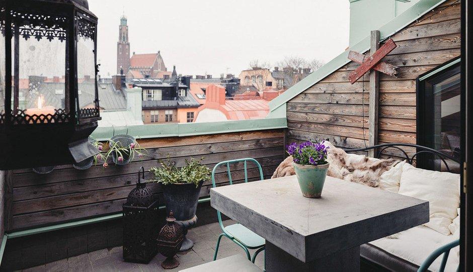 Фотография: Балкон, Терраса в стиле Скандинавский, Малогабаритная квартира, Квартира, Дома и квартиры, Мансарда – фото на INMYROOM