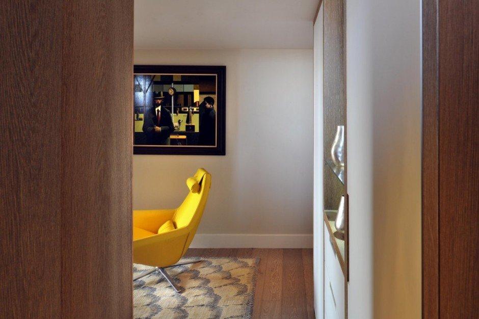 Фотография:  в стиле Современный, Квартира, Flos, Дома и квартиры, Лондон, Лестница, Библиотека, Готический – фото на InMyRoom.ru