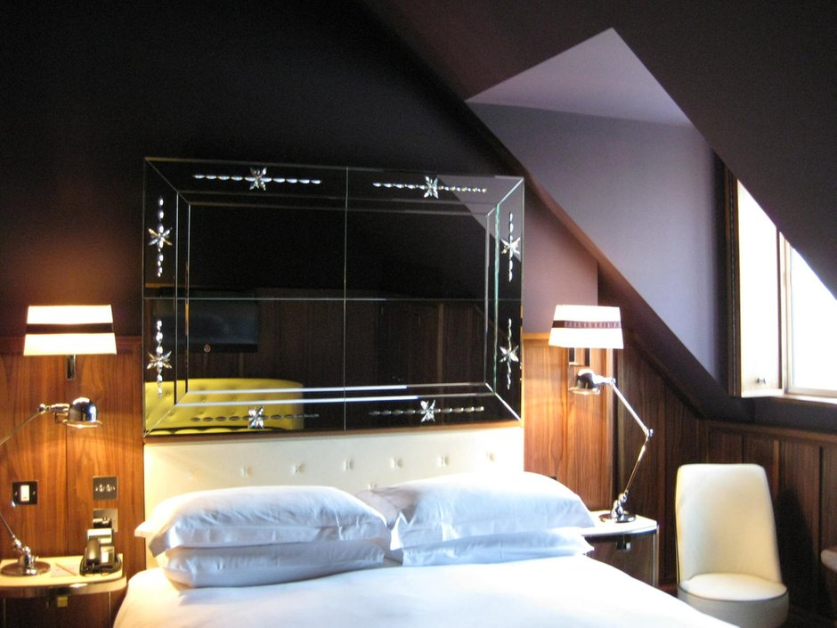 Фотография: Спальня в стиле Эклектика, Дом, Мансарда – фото на INMYROOM