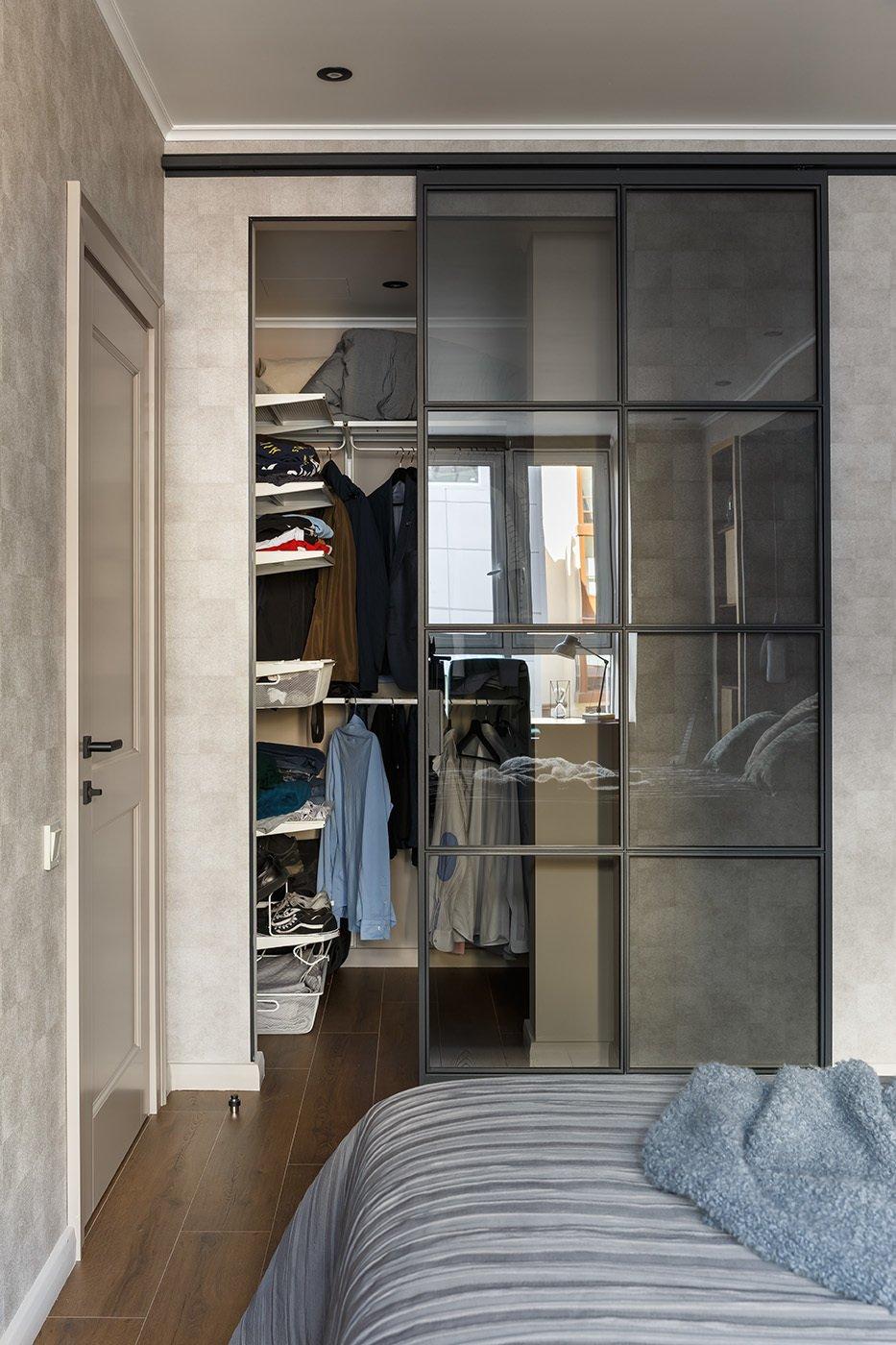 Фотография: Гардеробная в стиле Современный, Квартира, Проект недели, 1 комната, 40-60 метров – фото на INMYROOM