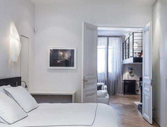 Фотография: Спальня в стиле Современный, Квартира, Дома и квартиры, Париж – фото на INMYROOM
