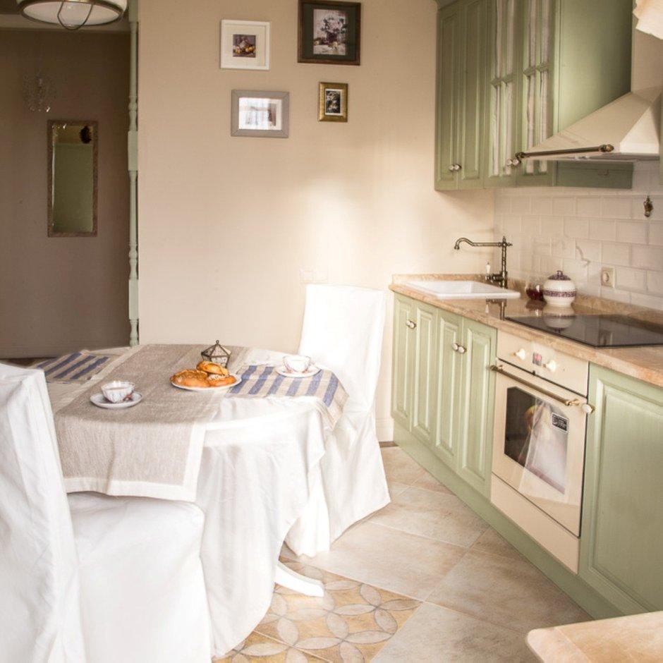 Фотография: Кухня и столовая в стиле Прованс и Кантри, Классический, Эклектика, Квартира, Проект недели – фото на InMyRoom.ru