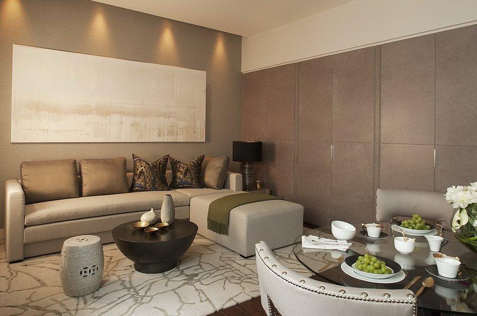 Фотография: Гостиная в стиле Современный, Малогабаритная квартира, Квартира, Дома и квартиры, Лондон, Зеркало, Перегородка – фото на INMYROOM