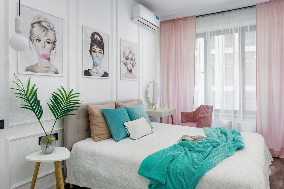 Фотография: Спальня в стиле Современный, Квартира, Проект недели, Москва, Samsung, 2 комнаты, 60-90 метров, Монолитно-кирпичный, the serif – фото на INMYROOM