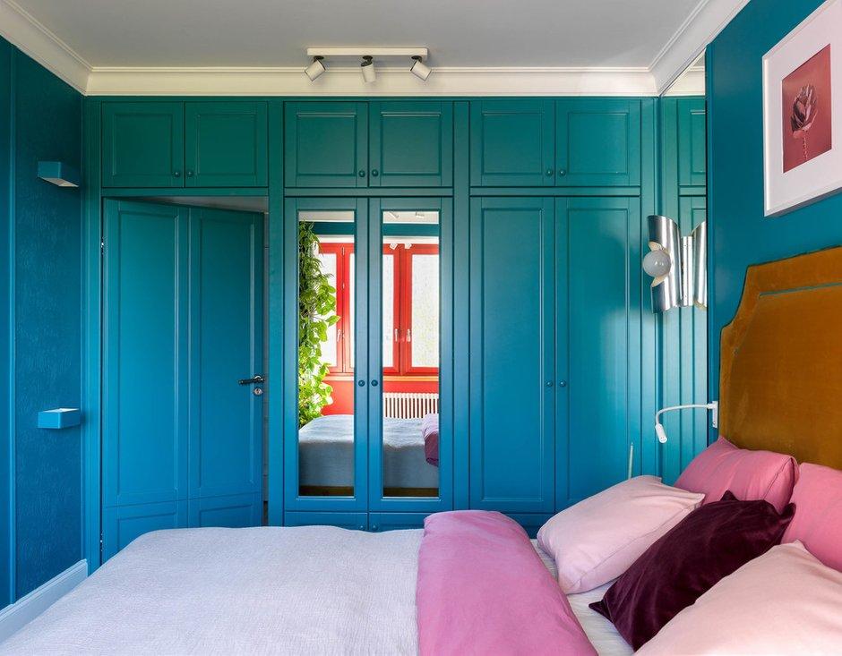 Фотография: Спальня в стиле Эклектика, Проект недели, Москва, П-55, Панельный дом, 4 и больше, 60-90 метров, Олеся Бернштейн – фото на INMYROOM