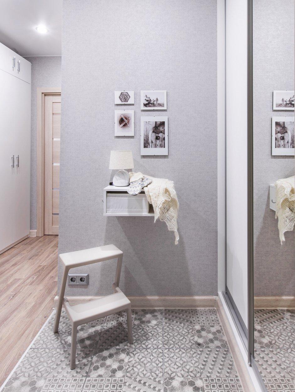 Фотография: Прихожая в стиле Современный, Квартира, Проект недели, Москва, П-44, Панельный дом, 1 комната, до 40 метров, Жанна Студенцова – фото на INMYROOM